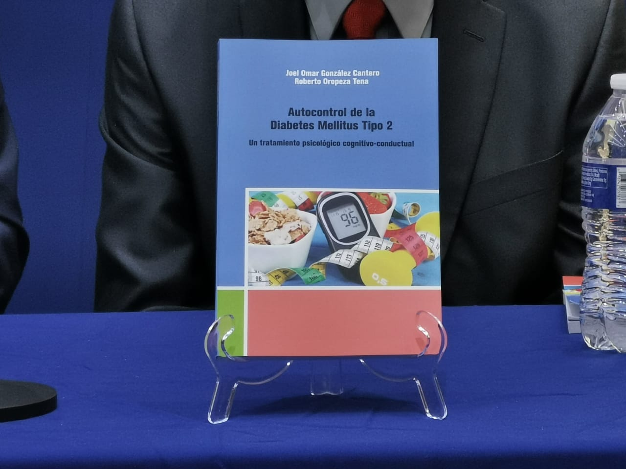 Presentación de libro del investigador Joel González
