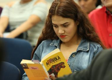 Estudiante del CUValles participa en Día del Libro